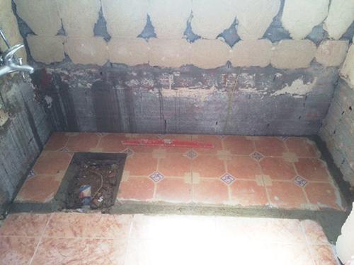 Como Poner O Colocar Un Plato De Ducha De Resina Y Carga Mineral - Como-instalar-un-plato-de-ducha