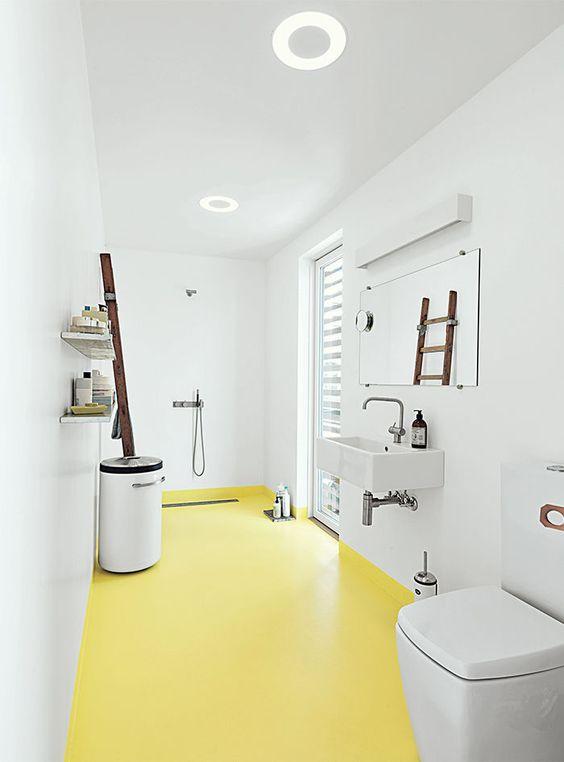 suelo-amarillo-bano