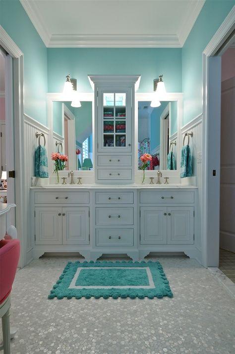 Cómo Organizar un Cuarto de Baño para Dos